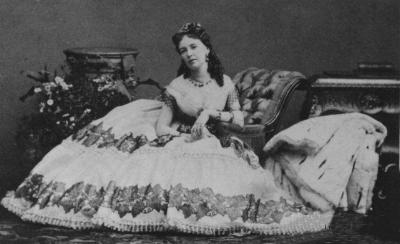 The art of sitting in a cage crinoline